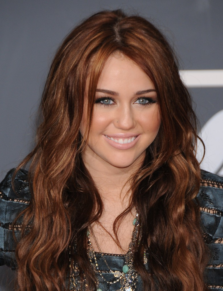 http://www. moviepilot.de/files/images/0486/7650/Miley_Cyrus.jpg